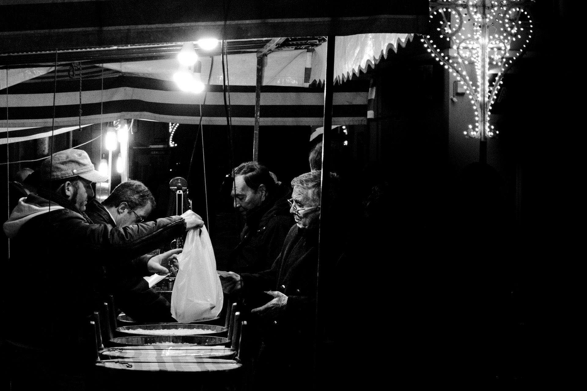 Bancarella di scapece gallipolina in una festa patronale del Salento