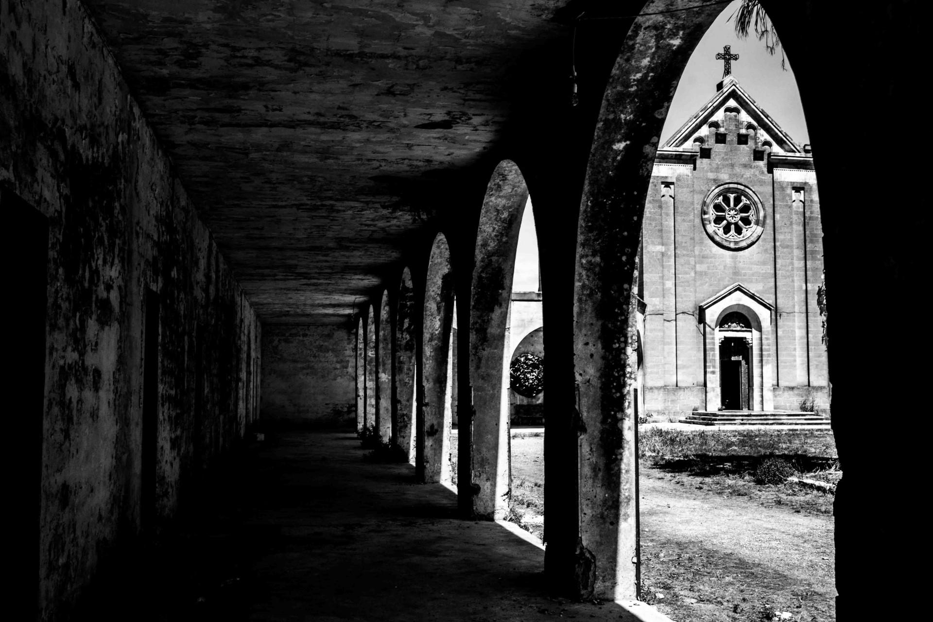 Monteruga, il villaggio abbandonato trent'anni fa e sorto intorno all'omonima masseria nella campagne tra San Pancrazio, Salice e Veglie, Lecce