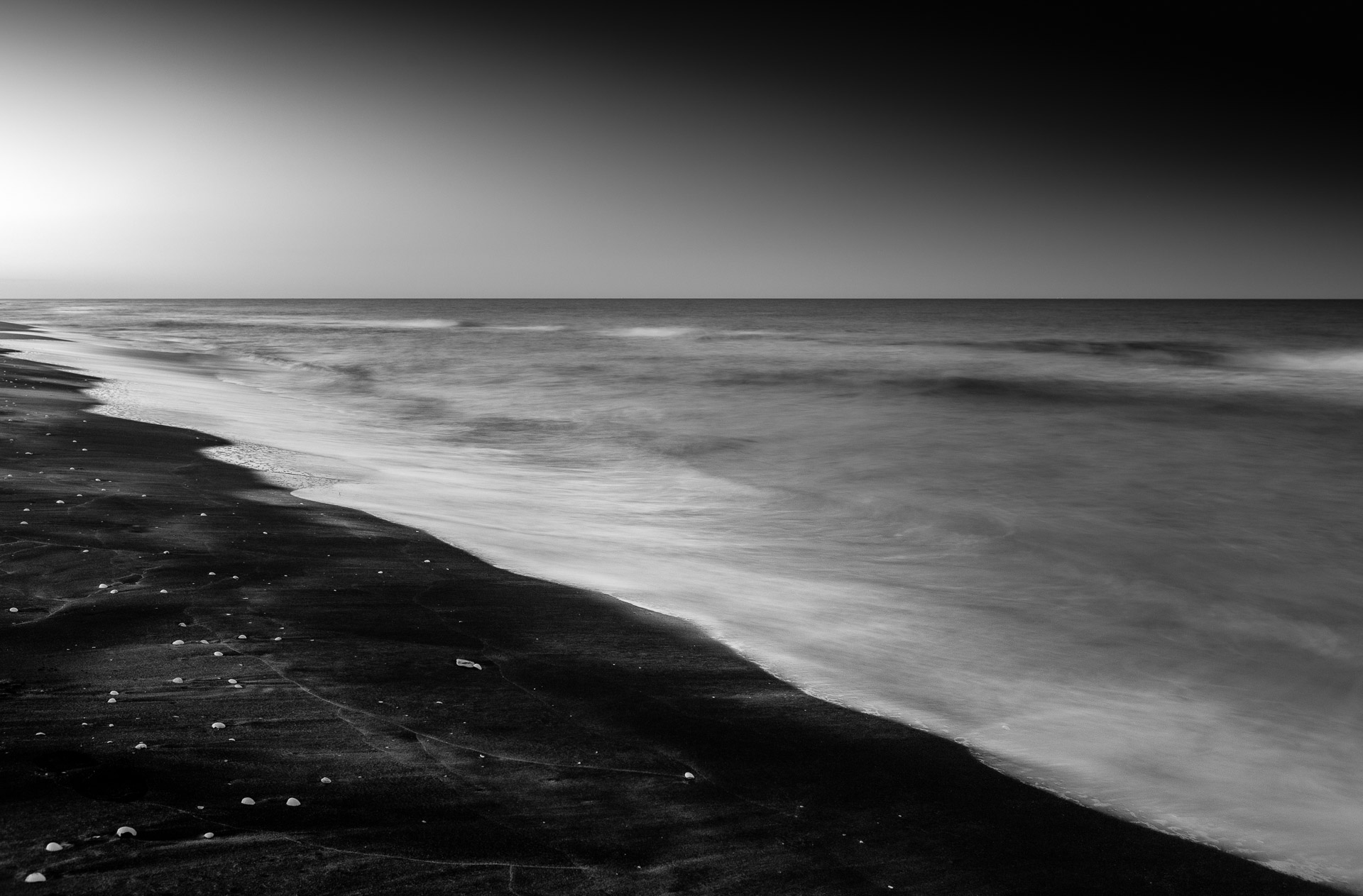 Spiaggia Cesine, black and white long exposure photography